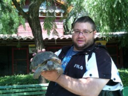 Napoli le guardie zoofile oipa portano delle tartarughe for Contenitore per tartarughe